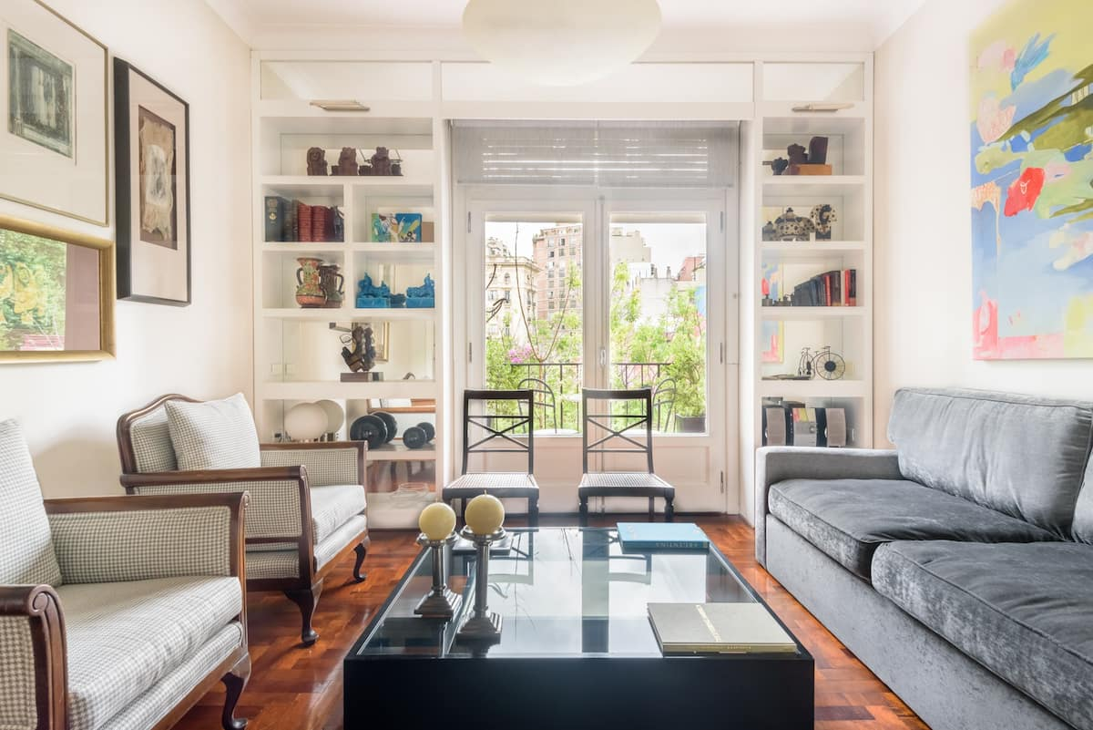 Beautiful Recoleta Apartment with French Balcony