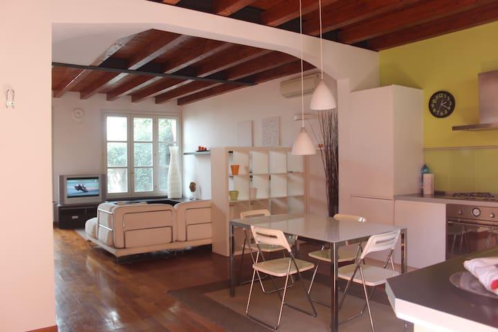 Bright loft duplex - Milão - Casa