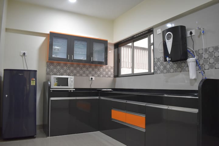 Luxuriously furnished 2 bhk Apt @ Viman nagar pune