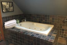 Jacuzzi bath tub with epsom salts included!