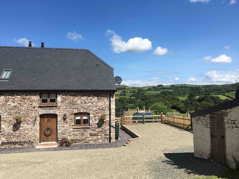 Entire Annex, in the heart of the Brecon Beacons