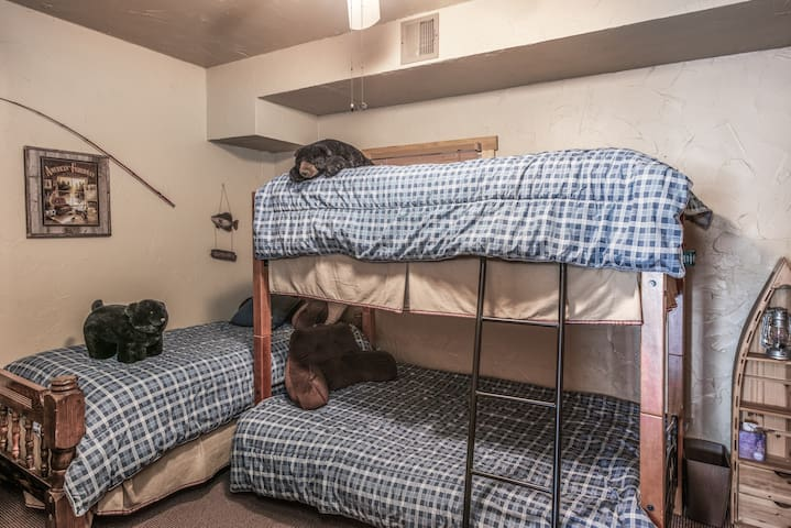 Downstair Bunk Room w/ Full size bed and two twin.
