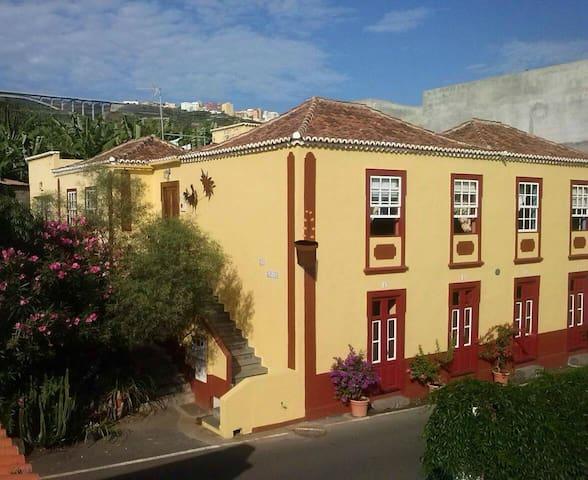 Las Lonjas - San Andrés - Dom