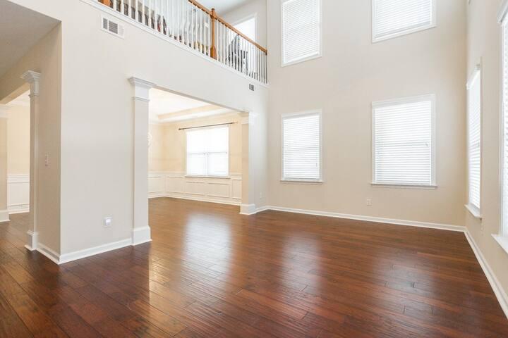 Beautiful Mini mansion in Gwinnett County 3700 sq