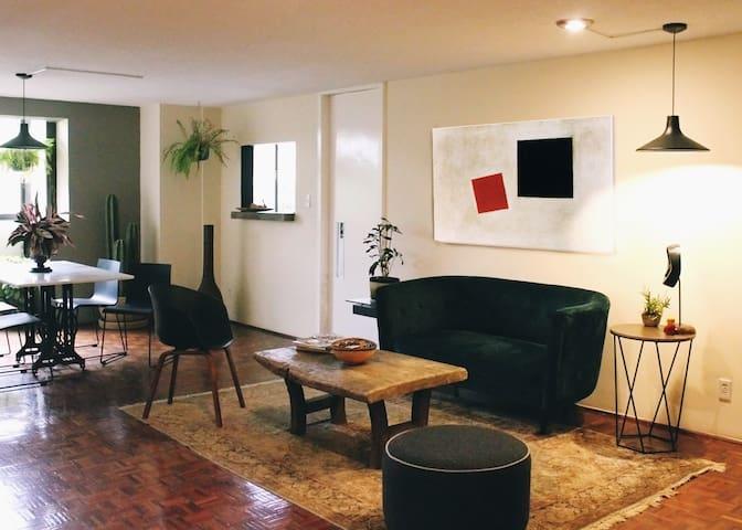 Bonito cuarto privado con baño completo en Condesa