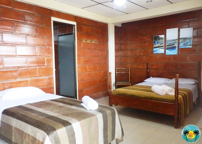 Habitacion Triple - Montañita - Bed & Breakfast