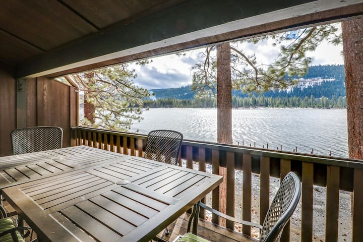 Lakefront condo w/ shared dock, views, and easy access to town and slopes!