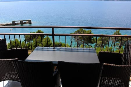 *Great apartment 30 m above the sea* - Lokva Rogoznica