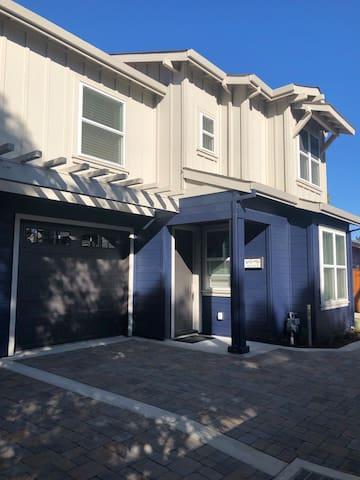 Brand New House  3 blocks from Downtown Pleasanton