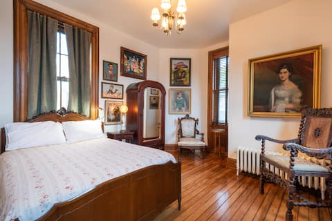 The Sara Tracy House, Eliot Room
