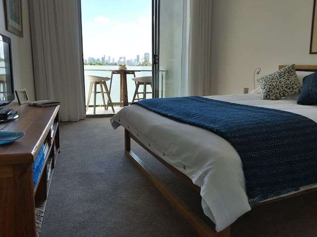 Luxury penthouse room near Brisbane CBD