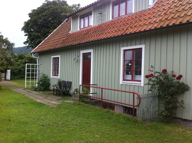 Centralt belägen Skånelänga i Båstad - Båstad - Rumah