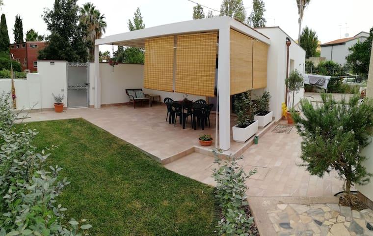 Dependance con giardino