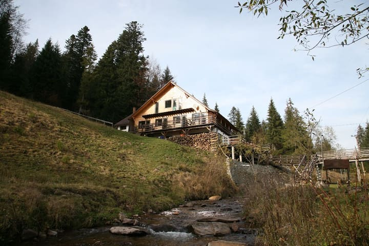 Nice chalet in a beautiful mountain landscape