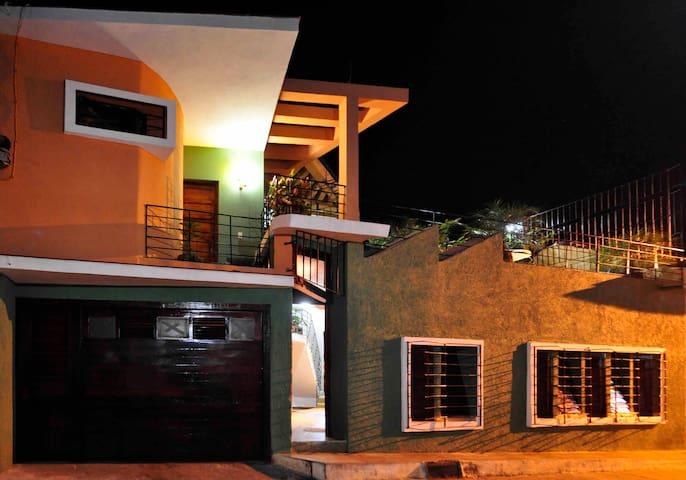 Sol & Son Hostel & Restaurant - Green Twin Room