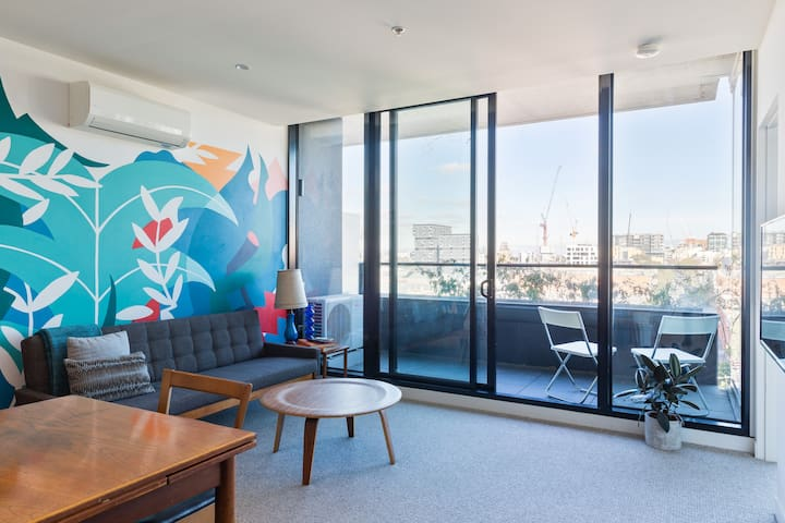 Amazing location. Seventh floor with city views.