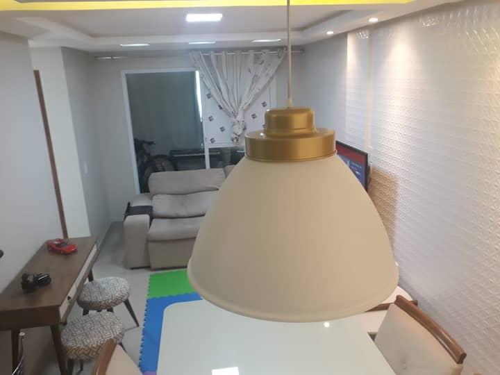 Apartamento 2 quartos finamente mobiliado com ar