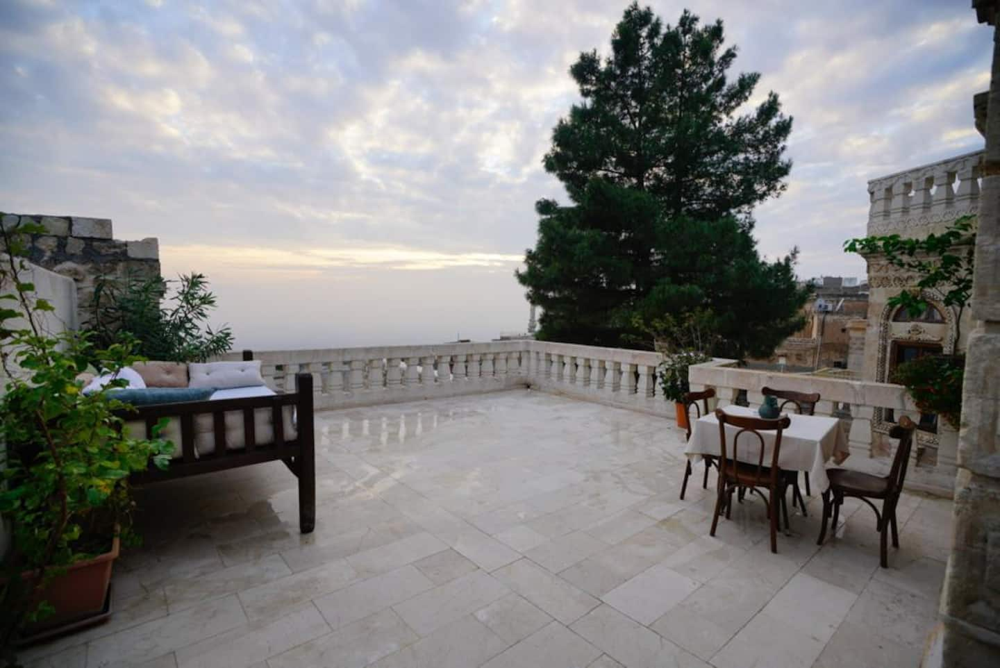 AirBnB in Turkey, Mardin: Old mansion, and Mesopotamia views!