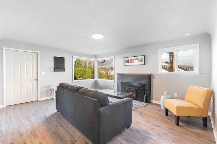 Comfy + Convenient 2 bedroom home