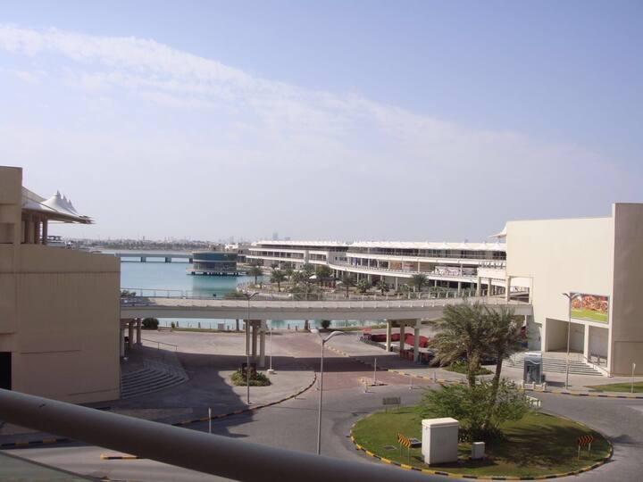Spacious apartment, Amwaj with direct lagoon view