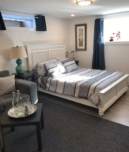 Gorgeous Wolfville Guest Suite w/ Kitchenette