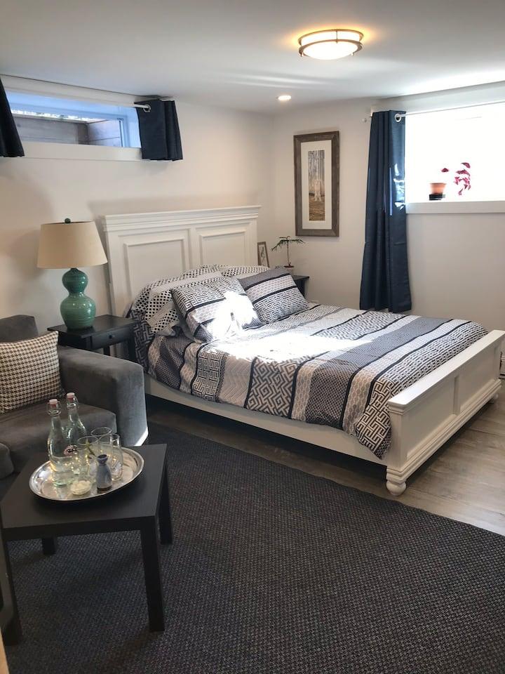Gorgeous Wolfville Guest Suite w/ Kitchenette