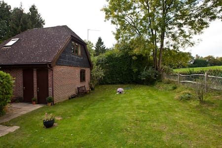Beacon Lodge Bed and Breakfast - West Sussex - Bed & Breakfast