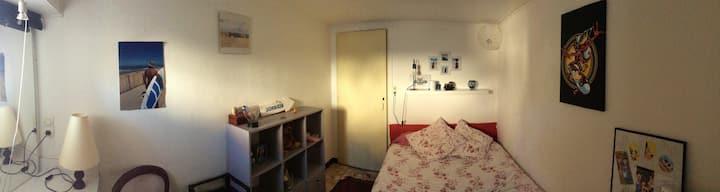 Bordeaux: appartement complet pour petits séjours.