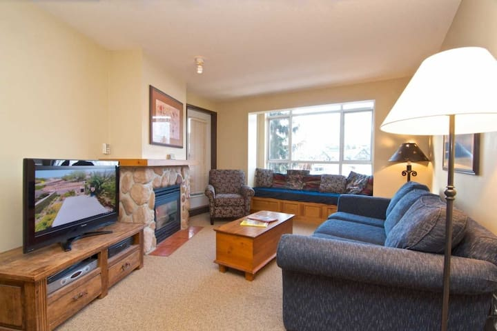 One Bedroom Condo, heart of Whistler Village.