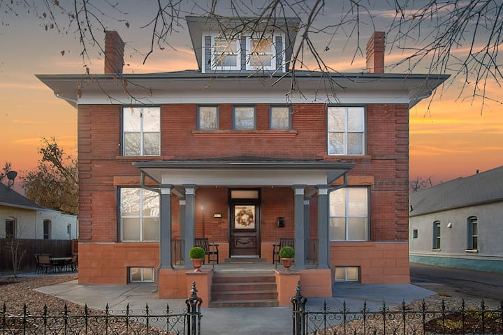 Historic House in Popular LoHi w/trailer parking