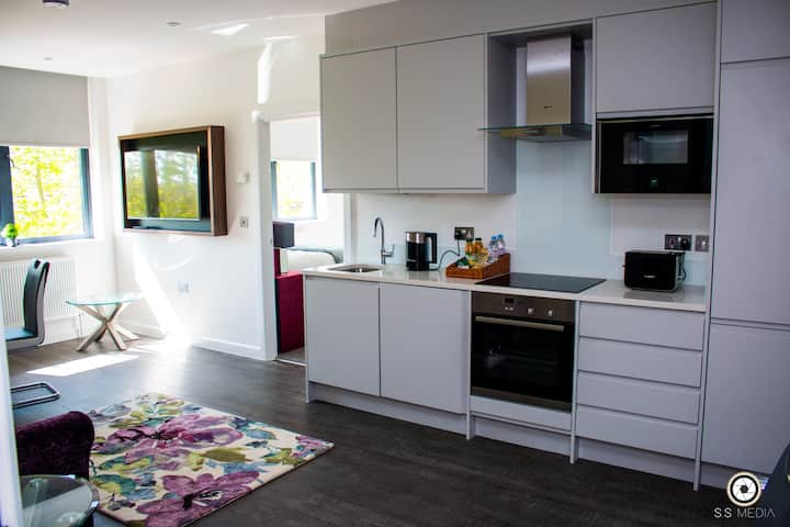 Luxury Apartment Milburn House Milton Keynes