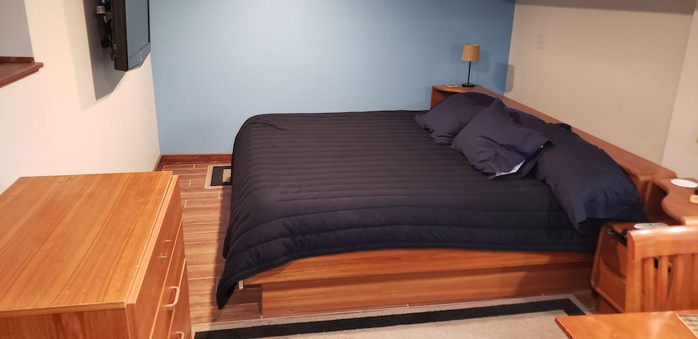 King-size memory foam bed