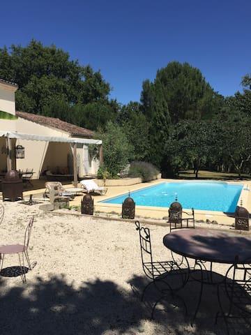 Une maison de vacances en famille - Casteljaloux - House