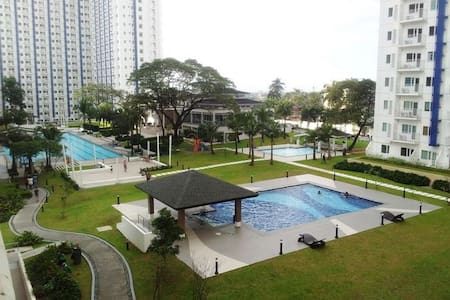 26F GRASS CONDO SM NorthMRT WiFi  Cold Shower Only - Quezon City