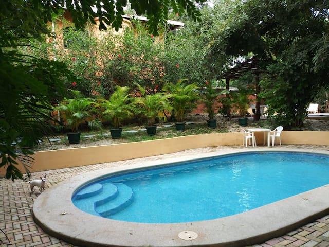 Hotel Cabinas La Playa - Casita Avellanas #2