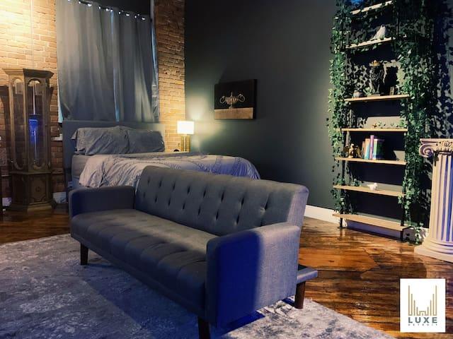 Luxe Premiere Riverfront Loft Living