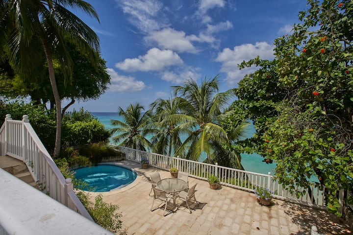 Tranquil beachfront private house, 4 Bedroom