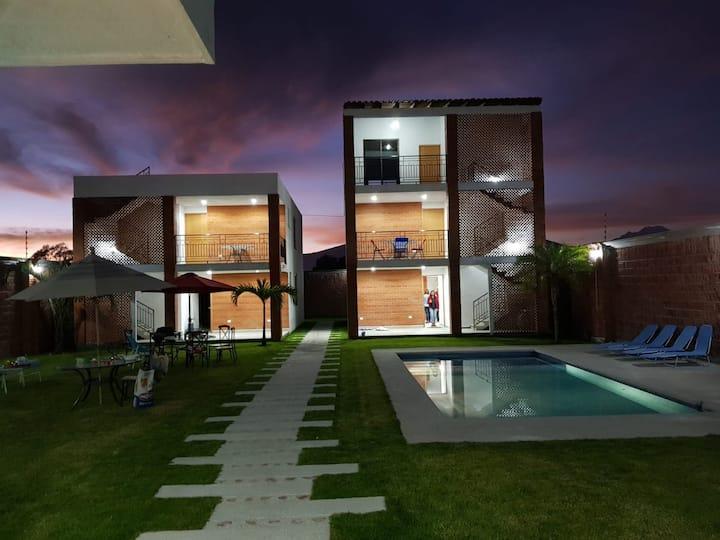 Cascadas Private Suites - El Encanto