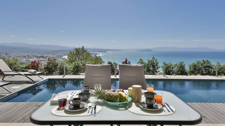 Villa Mystique, luxury, amazing sea & city view