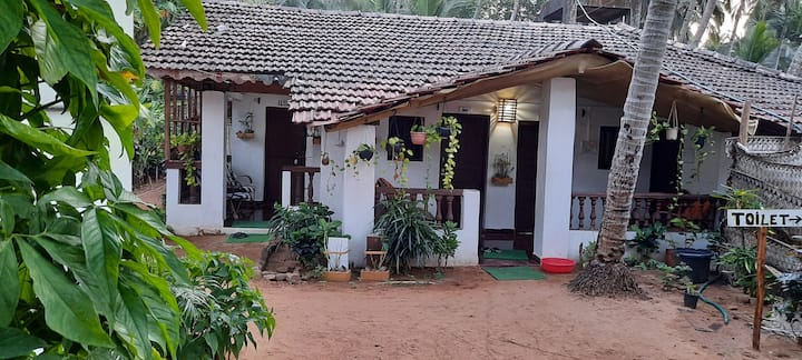 Budget Room in beach hut 2 at Agonda