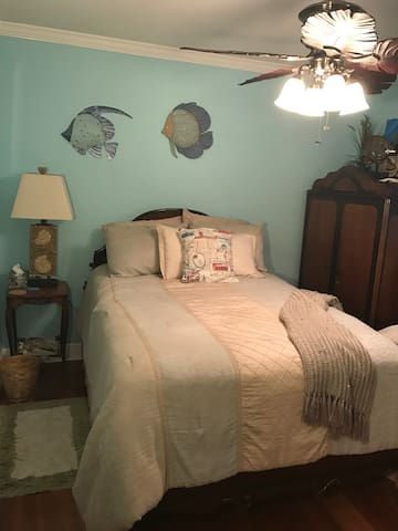 Lovely home 15 minutes to Downtown New Orleans - Kenner - Casa