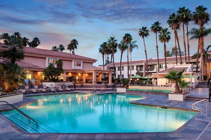 Luxury Resort living, Palm Springs 4/16/21-4/23/21