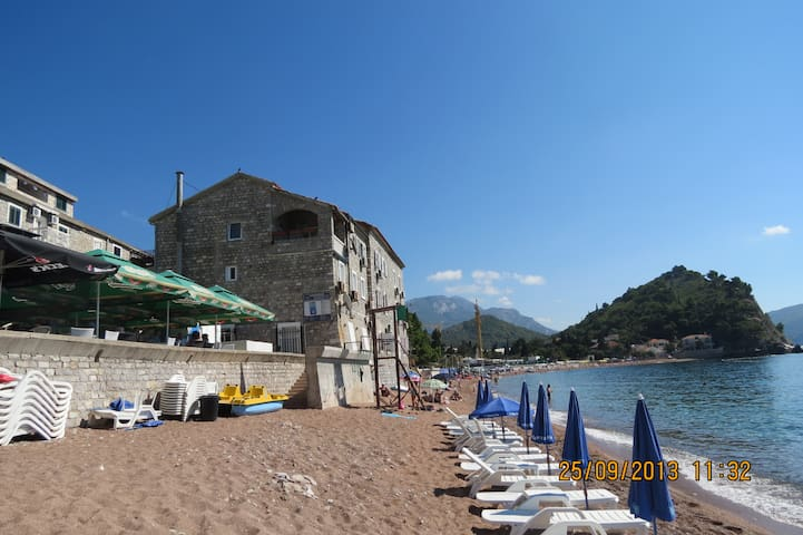 Seashore Apartment - Petrovac - Ev