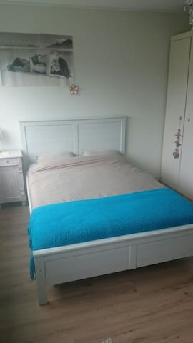 2 to 4 persons bedroom close to forest and beach - Bergen - Casa