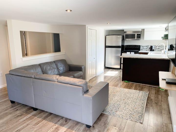 Cozy garden suite, mountain views, 35min to Whis!