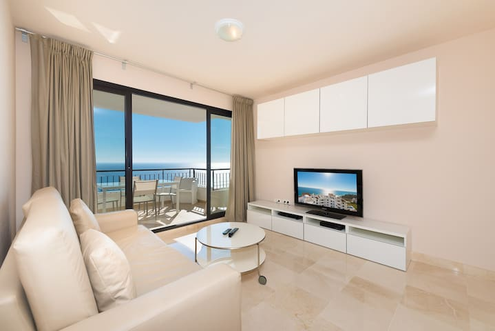 Spectacular Front Sea view Apartment