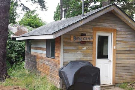 Otter Rock Base Camp Cabin - Kisház