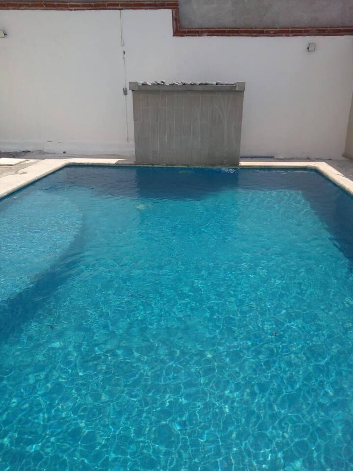 Casa en Oaxtepec fracc.priv. alberca climatizada