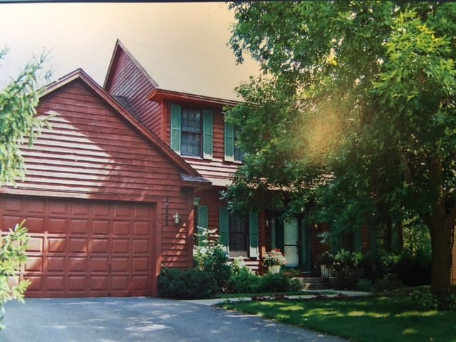 Private Wooded Lot Home - Great for Large Families