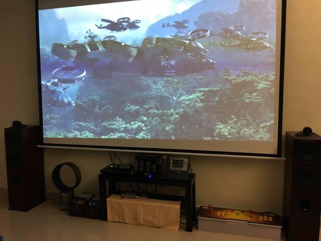 "Giant 120"" Home Projector Theatre with Tons of Bluray DVD and Tube Amplifer. 巨大120吋家居投影娱乐中心与大量高清蓝光碟荷里活大片和高品质胆机Hifi扩音器音响系统"